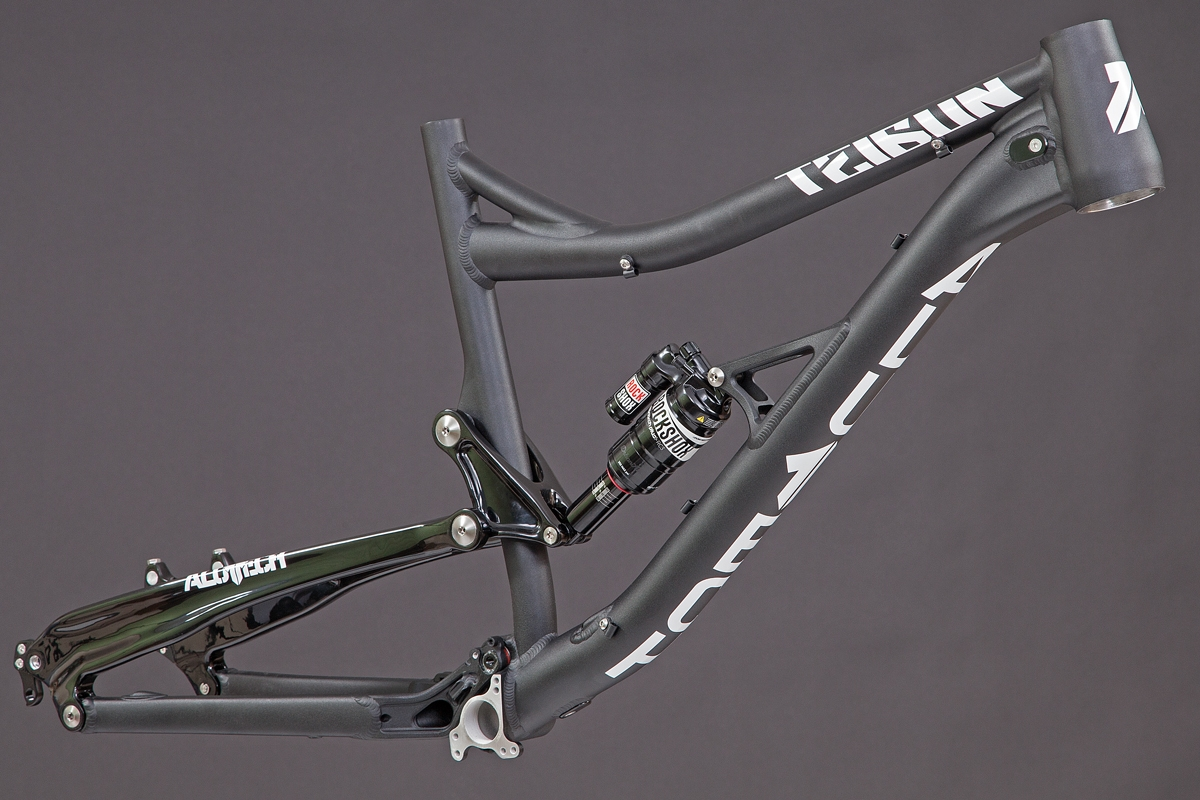 Teibun 1.1 frame black powdercoated with carbon seat stay